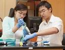 Cặp song sinh gốc Việt nhận học bổng tiến sĩ Mỹ năm 18 tuổi