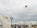 Xem trình diễn lướt ván, ca nô dù kéo ngoạn mục trong ngày Tết Độc lập