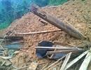 Dựng lều tạm cho người dân vùng sạt lở núi