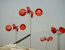 Chậu nhựa tạo điện gió ở xóm thuyền Hà Nội