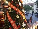 Sắc màu Noel tràn ngập đường phố Hà Nội