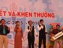 Thầy cô đàn hát chia tay học trò trong lễ bế giảng