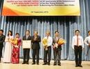 Trường ĐH Tôn Đức Thắng nhận Huân chương Lao động hạng Nhất
