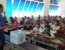 TPHCM: Hàng trăm suất học bổng cho sinh viên vùng lũ