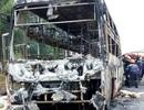 Xe khách cháy trơ khung, hành khách hoảng loạn