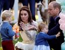 """Hoàng tử, công chúa """"nhí"""" nước Anh vui chơi cùng bố mẹ ở Canada"""
