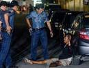 """Thoát nạn trong gang tấc nhờ giả chết trước """"biệt đội tử thần"""" Philippines"""