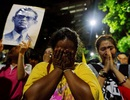 Người Thái khóc thương nghe tin Vua Adulyadej qua đời