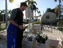 Những người dân Cuba đầu tiên được vào viếng mộ lãnh tụ Fidel Castro