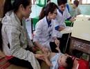 Quảng Bình: Thanh niên tình nguyện khám, chữa bệnh và cấp thuốc miễn phí cho người dân