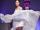 Hoa hậu Thùy Dung nổi bật tại Tuần lễ thời trang Xuân Hè