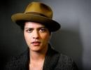 """""""Hiện tượng"""" Bruno Mars gây sốt làng nhạc sau 4 năm vắng bóng"""
