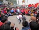 Hàng vạn người co ro trong giá rét dự ngày khai hội đền Cờn