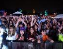 Khán giả Hà Nội đội mưa xem Lễ hội âm nhạc quốc tế Gió Mùa