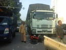 Hà Nội: Người đàn ông bị xe tải cuốn vào gầm tử vong tại chỗ