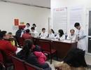 """Hà Nội: Người dân """"dễ thở"""" đi tiêm vắc xin Pentaxim cho trẻ"""