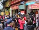 Hà Nội: Đường tắc cứng vì dân đổ xô đi mua vàng