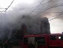 Hà Nội: Biệt thự liền kề 4 tầng bốc cháy dữ dội