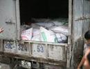 Hà Nội: Kiểm tra xe quá tải, phát hiện hơn 5 tấn mỡ bẩn