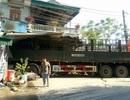Xe tải đâm vào nhà dân, 2 mẹ con chết thảm