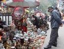 """Chợ """"mua may bán đắt"""" độc nhất Hà thành"""