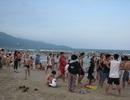 Các bãi biển đông nghịt người trong hai ngày đầu nghỉ lễ
