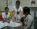 Đà  Nẵng:  Khám, phát thuốc miễn phí cho phụ nữ nghèo