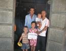 Gần 26 triệu đồng đến với người bố nghèo có 3 con bị bệnh