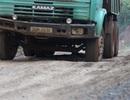 Đắk Nông: Xe tải trọng lớn trốn trạm cân, cày nát đường dân sinh