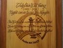 Độc đáo cuốn sách bằng gỗ với 4 thứ tiếng về anh hùng Tây Nguyên