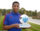Martial nhận giải cầu thủ xuất sắc nhất Premier League tháng 9/2015
