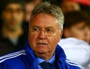 Guus Hiddink lo Chelsea sẽ xuống hạng