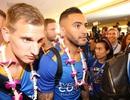 Leicester City được chào đón như những người hùng ở Thái Lan