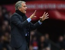 MU sa thải Van Gaal, bổ nhiệm Mourinho