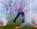 Croatia đứng trước án phạt nặng vì để CĐV ném pháo sáng tại Euro 2016