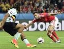 Người hùng của xứ Wales vừa bị đội hạng dưới Anh hắt hủi