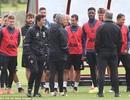 Toàn đội MU tràn đầy hứng khởi trong buổi tập đầu tiên của Mourinho