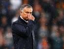 """Mourinho cãi nhau """"tay đôi"""" với… thợ xây ở khu tập"""