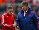 Wayne Rooney chỉ trích Van Gaal, ca ngợi Mourinho