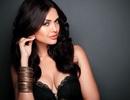 Sao trẻ Arsenal hẹn hò với cựu Hoa hậu Ấn Độ