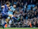 Sergio Aguero bị phạt nặng, Man City méo mặt