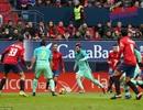 Ngả mũ trước siêu phẩm độc diễn giữa 5 cầu thủ của Messi