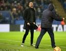 """Thua thảm Leicester City, Pep Guardiola đã """"thấm thía"""" Premier League?"""