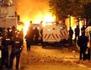 Bạo lực bùng phát Bắc Ailen làm nhiều cảnh sát bị thương