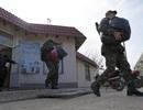 Lính biên phòng Ukraine rời Crimea vì lo sợ bị tấn công