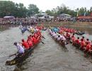 Hàng chục ngàn người tưng bừng xem hội đua trải đầu xuân