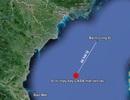 Tìm kiếm máy bay bị nạn: Phát hiện vệt dầu 3,5m nổi trên biển
