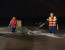 Giải cứu kịp thời 6 người mắc kẹt trong mưa lũ