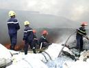 Xưởng phế liệu bốc cháy dữ dội, cả khu dân cư náo loạn