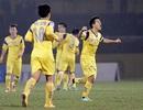 Hàng thủ mắc sai lầm, Hà Nội T&T trắng tay trên sân Vinh